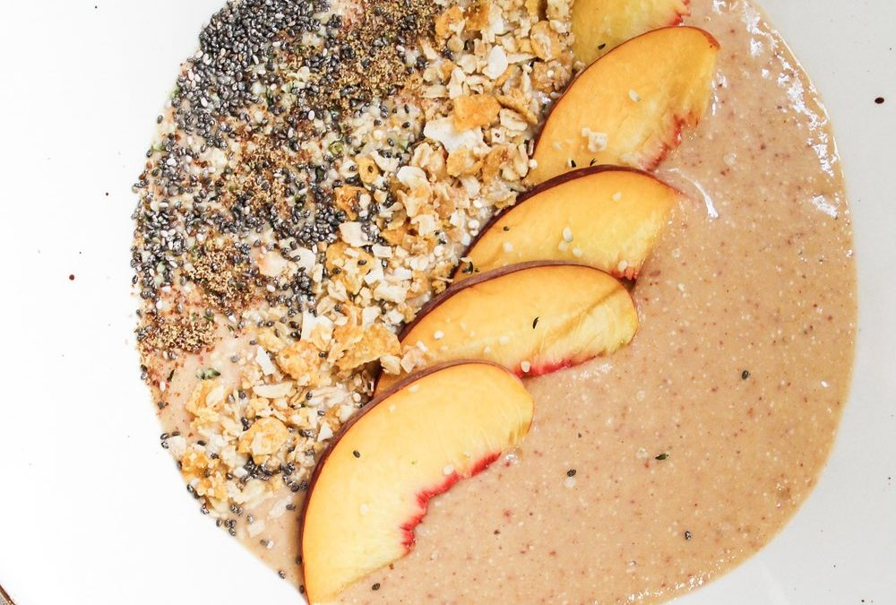 PEACH CRISP SMOOTHIE BOWL